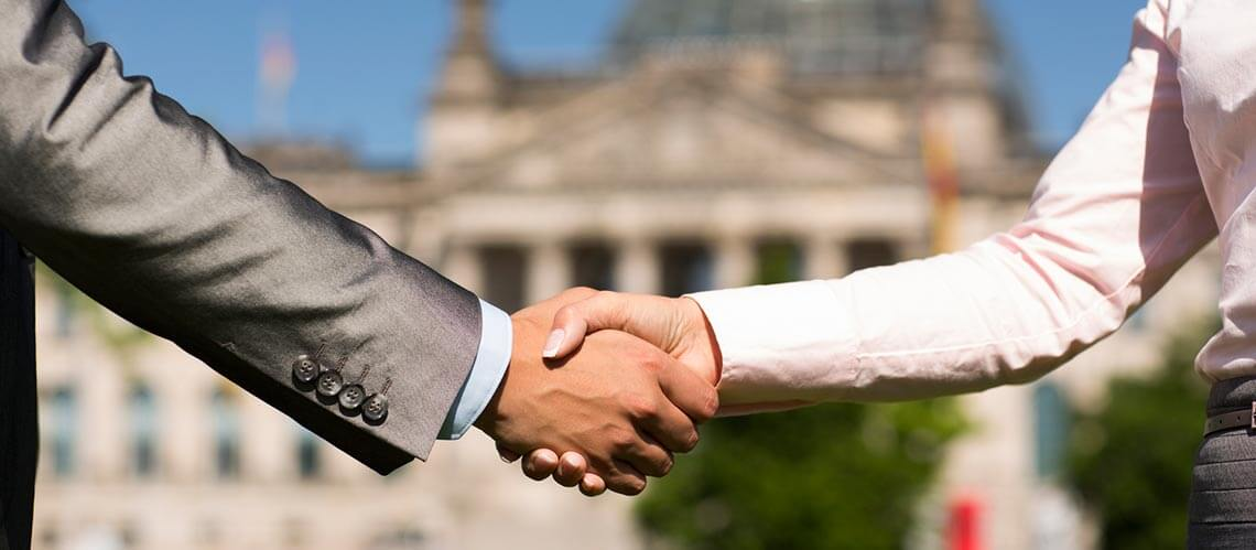 első benyomás-üzleti megjelenés