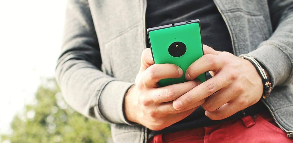 okostelefonok fogságában
