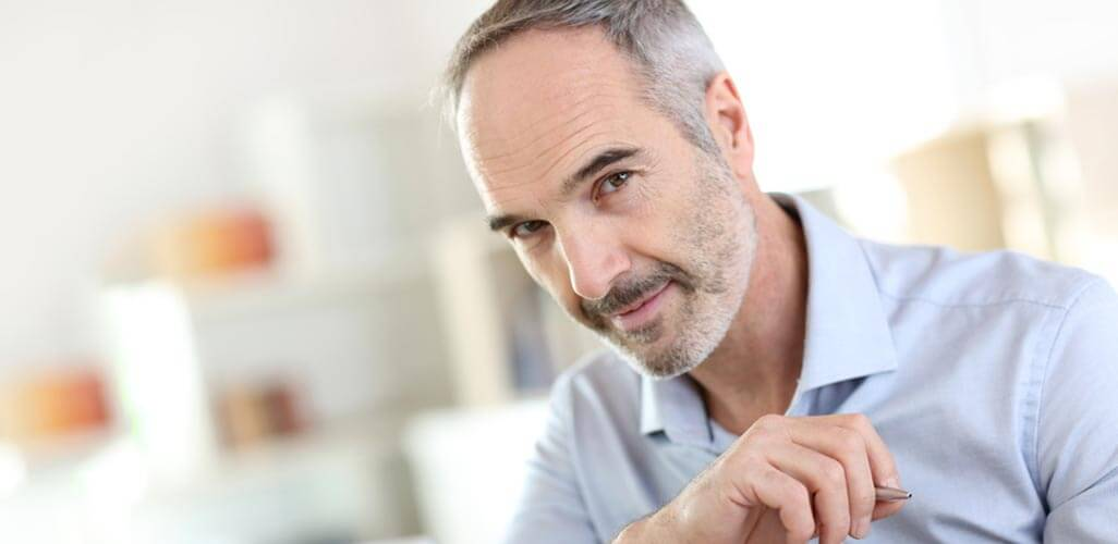 Sokpontos arcfeltöltés - férfi arcfiatalítás