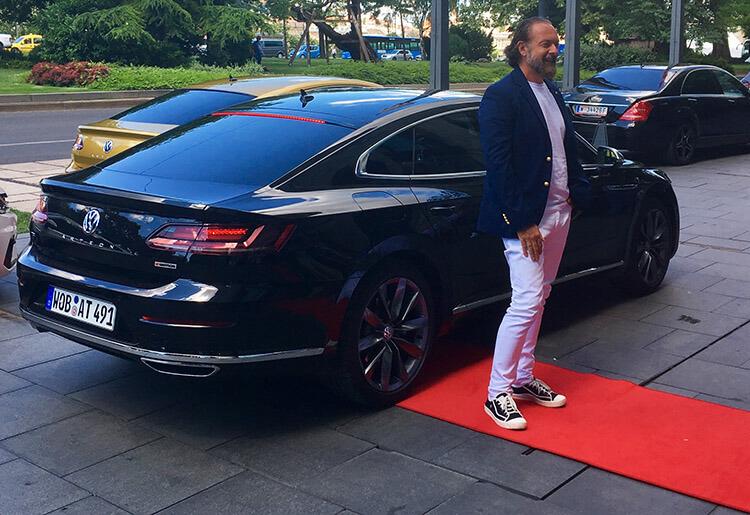 Zsidró Tamás a Volkswagen Arteon sajtóbemutatóján
