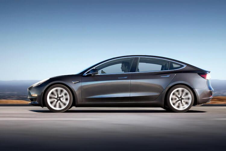 Tesla - Tesla Model 3 - Elon Musk - férfimagazin