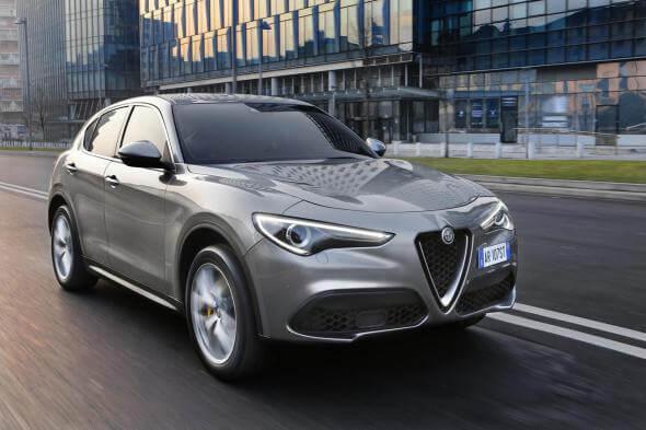 Alfa Romeo Stelvio - év autója - férfimagazin