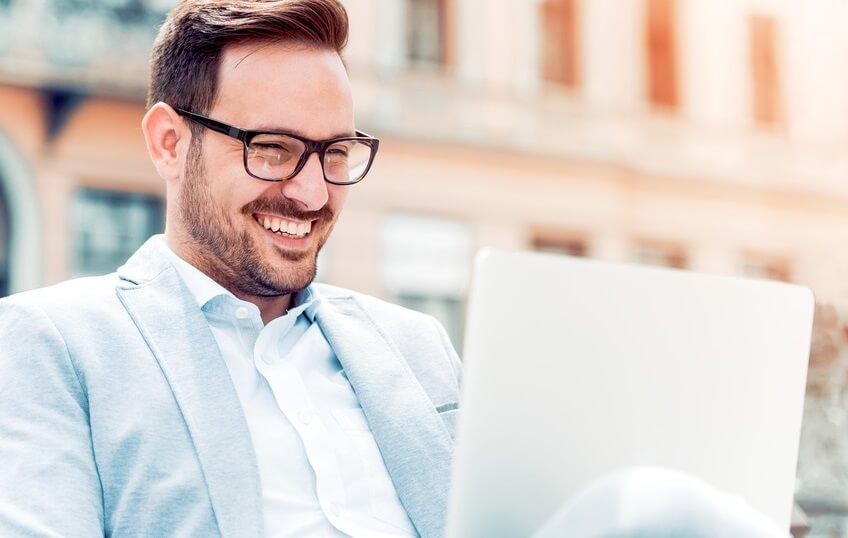 produktivitás - üzlet - siker - férfimagazin