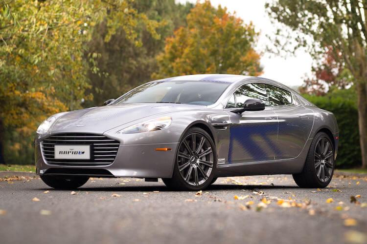Aston Martin RapidE - férfimagazin