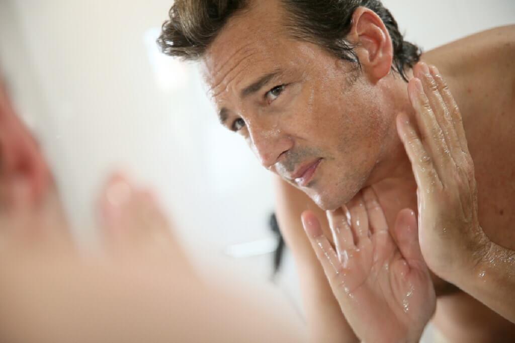 borotválkozás - bőrirritáció - férfimagazin