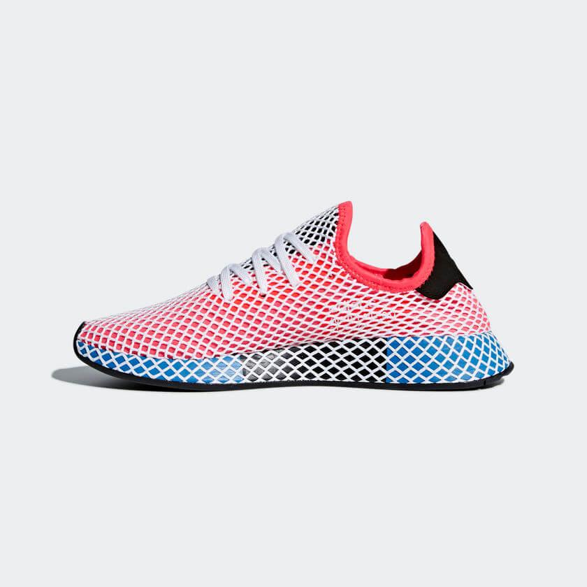 """1e77f2b59f """"Az adidas Originals darabok megalkotásakor folyamatosan arra törekszünk,  hogy innovatív megoldásainkkal új színt hozzunk a divat világába."""