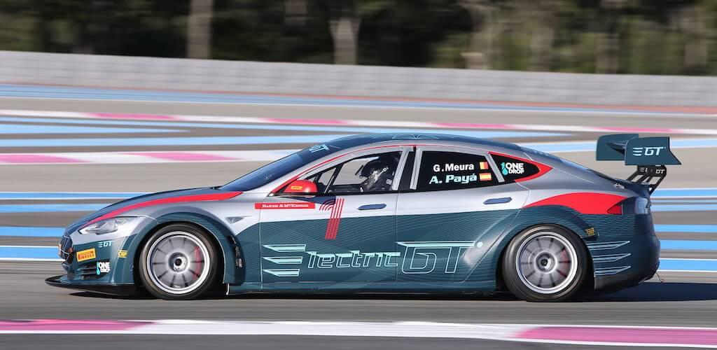 Ingyen belépőkkel rajtol az Electric GT, vagyis a Tesla márkakupa