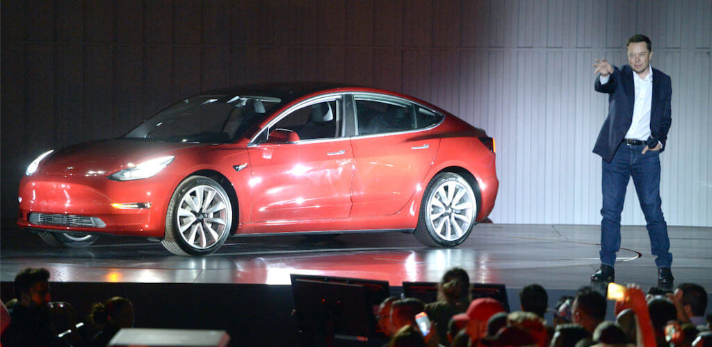 Tesla Model 3: megvan a heti 5000 darab, de milyen áron?