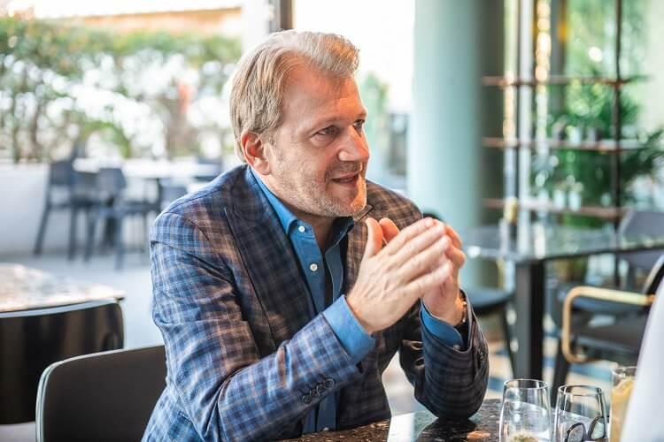 Schiffer Miklós - új könyv - interjú