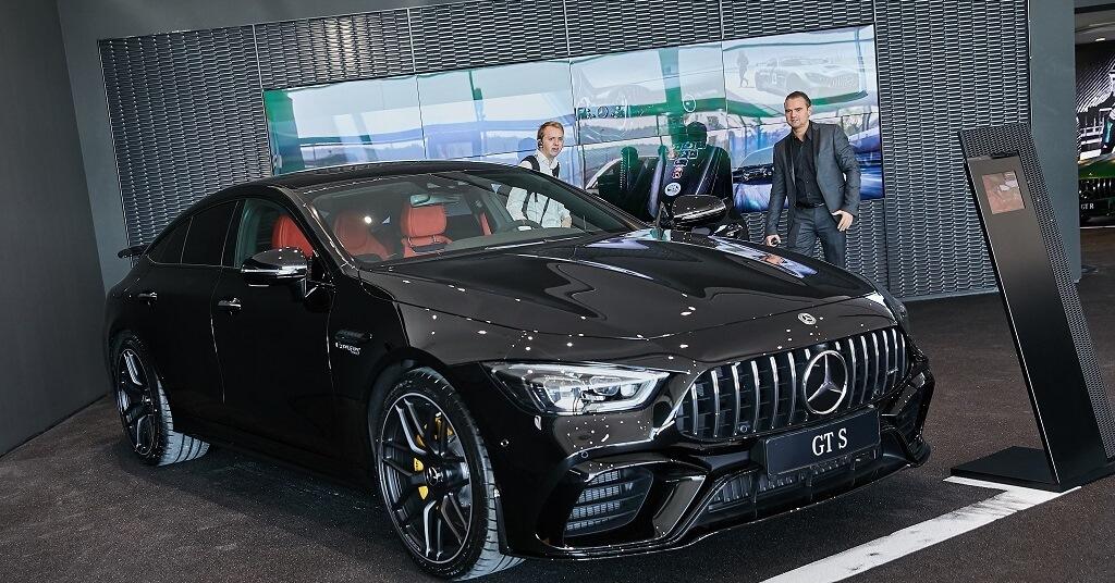 Mercedes - Benz - Hovány