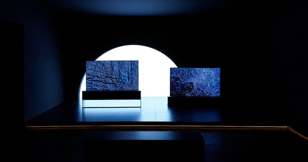 LG feltekerhető TV