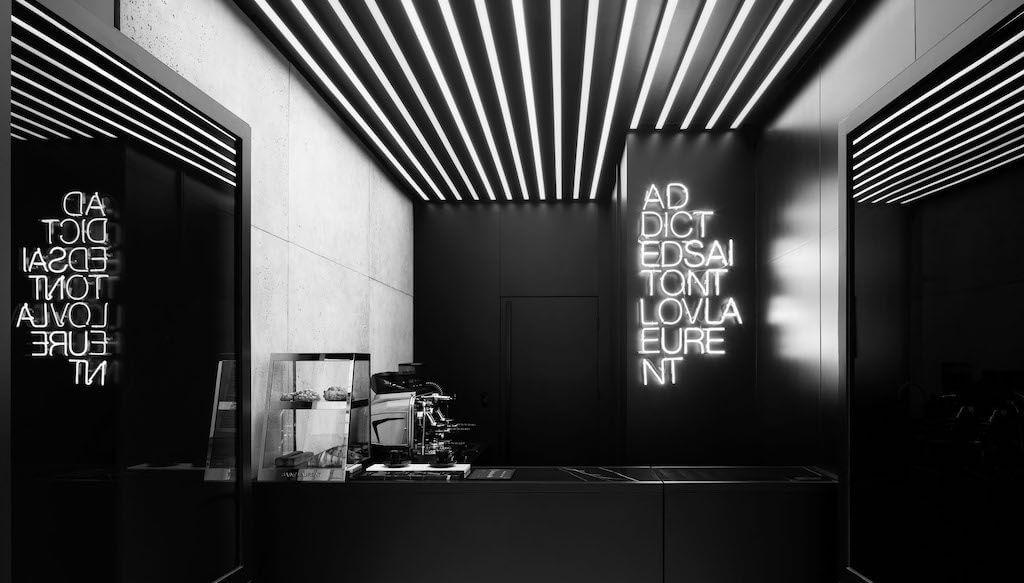 Saint Laurent - Párizs - kávézó