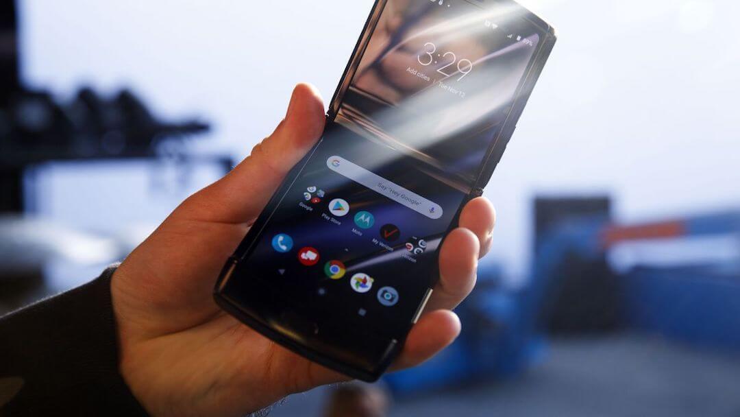 Motorola Razr 2019 - csúszás