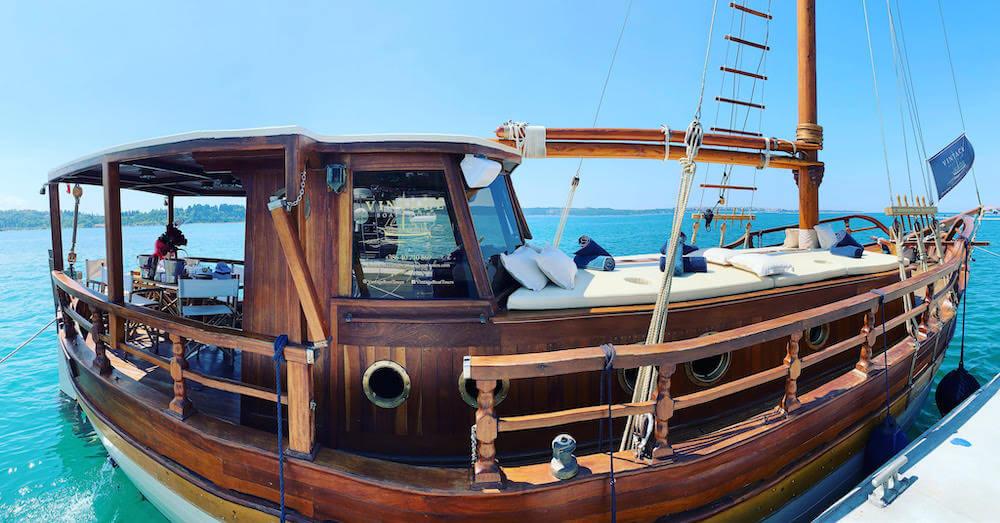 Vintage Boat Tours