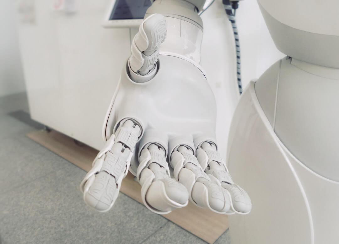 robot - koronavírus