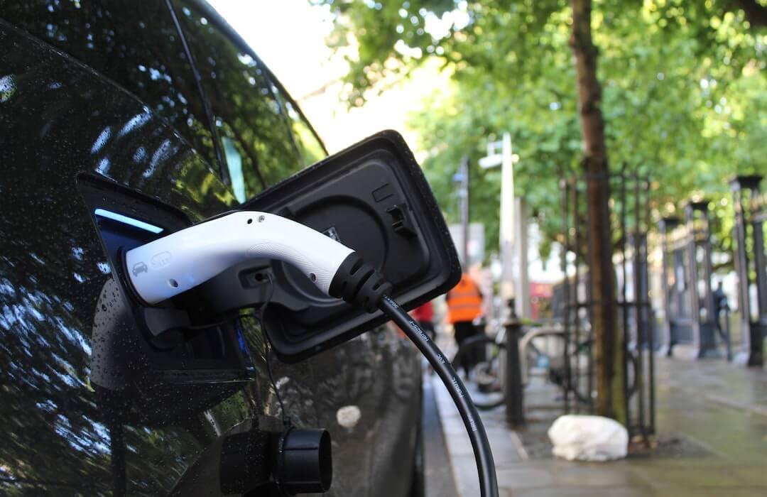 Elektromos autó - támogatás - 2020