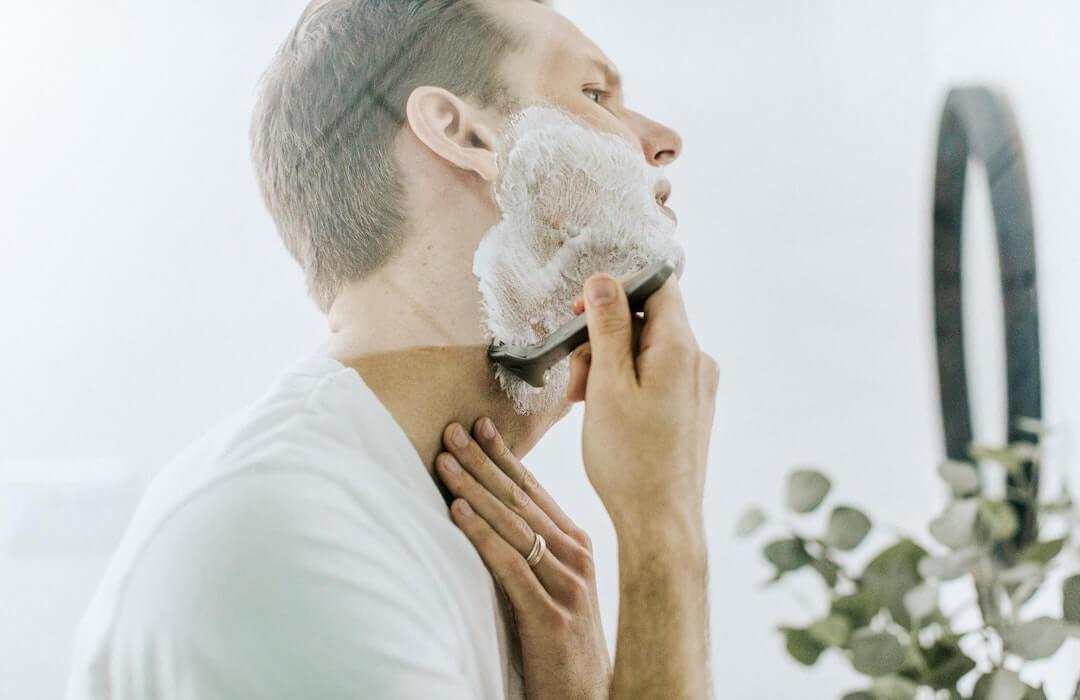 eldobható borotva vagy biztonsági borotva