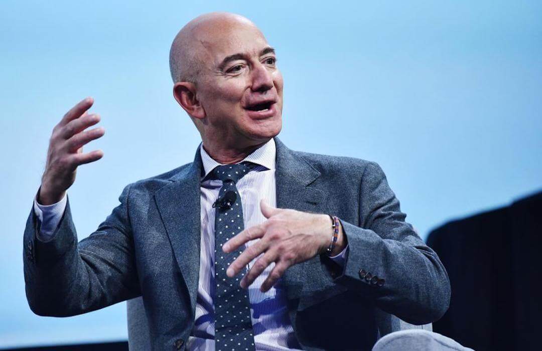 Jeff Bezos - 200 milliárd dollár