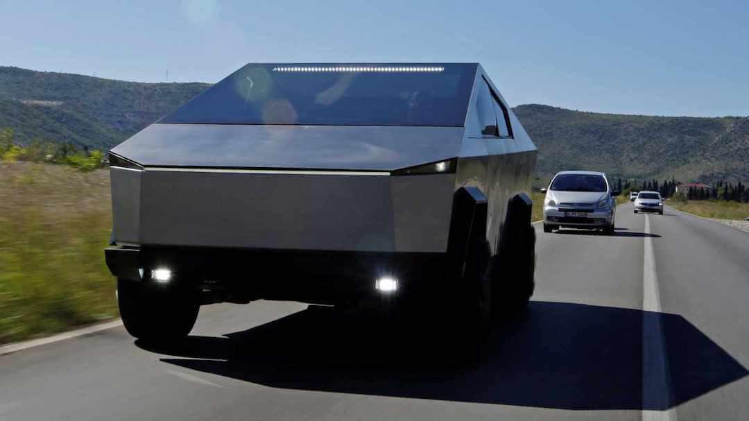 Ford - Tesla - Cybertruck