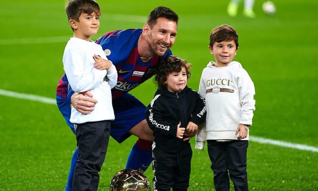 Lionel Messi marad az FC Barcelona játékosa