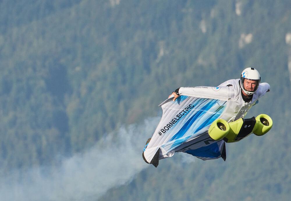 BMW i - szárnyas repülőruha